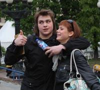 Коля Ефремов, сын Михаила Ефремова, постепенно перенимает ужимки