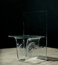 Японский дизайнер разработал стеклянную мебель