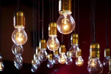 Как нам вредит электрический свет