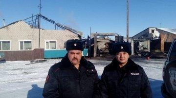 В Алтайском крае сотрудники Росгвардии спасли жизни пятерых человек при пожаре