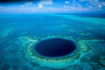 Огромная синяя дыра - на дне океана образовалось углубление идеальной круглой формы