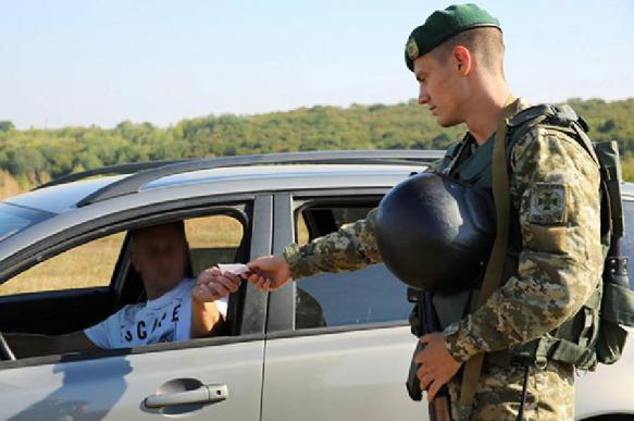 Russian man tries to take his dead wife to Ukraine as a common car passenger. 63091.jpeg