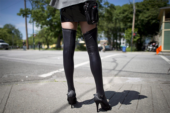 Russian man takes legal action against prostitute who refused to satisfy him orally. 61518.jpeg