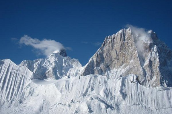 Pakistani army rescues Russian climber stuck for week on snowy mountain. 62680.jpeg