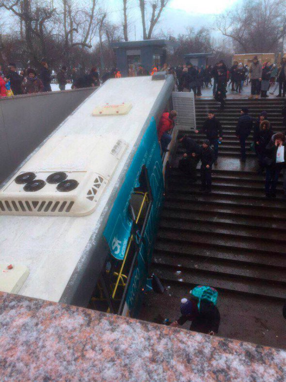 Bus driver says brake failure caused the bus to crash into underground passage in Moscow. 61742.jpeg
