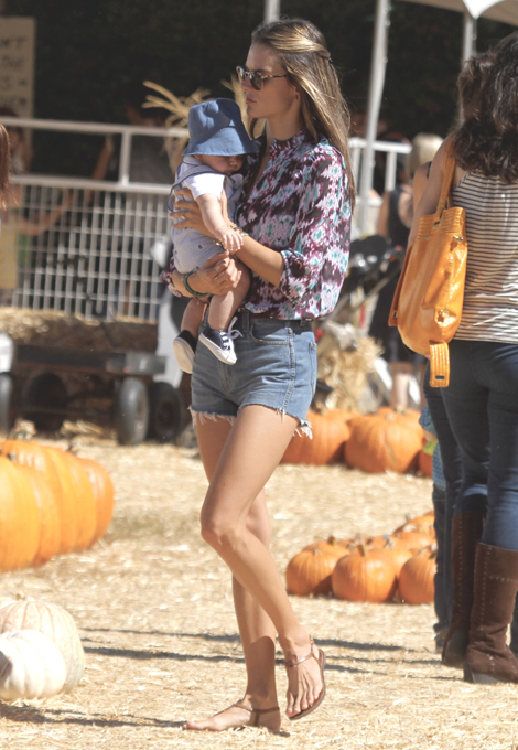 Celebrities busy with pumpkin shopping