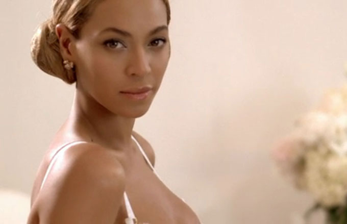 Beyonce stuns fans with her new video