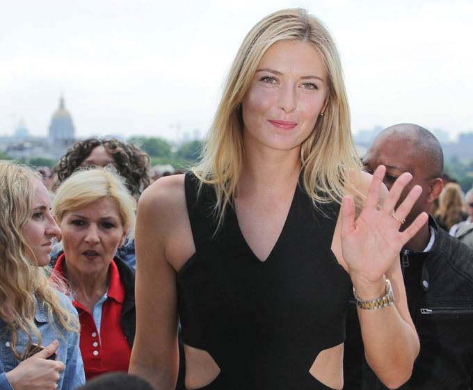 Maria Sharapova and her trophy in Paris