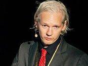 Julian Assange smiles to London's little roars