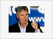 Hiddink Stays in Charge of Russia