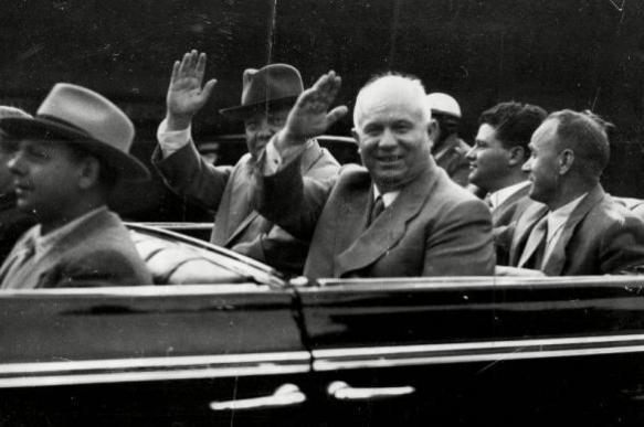 Nikita Khrushchev's son humiliates USSR again