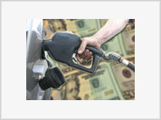 Falling oil prices give Feds more latitude for rate cuts