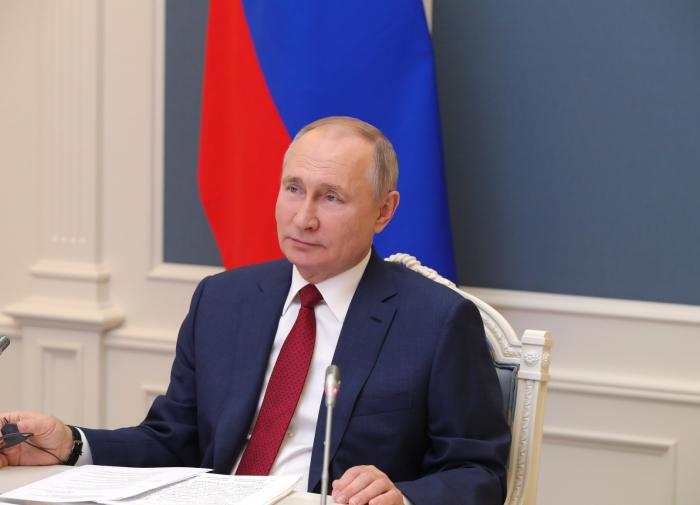 Putin admits Russians demand tangible changes