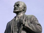 Who wages war on monuments in Russia?