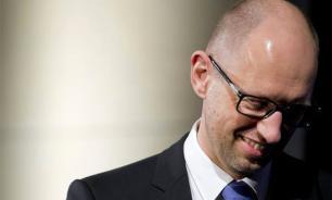 Ukrainian PM tries to look like hero before he becomes prisoner