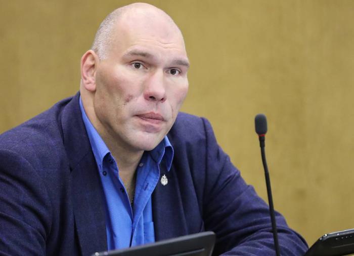 Boxer Nikolai Valuev responds to Ukrainian fans who insulted Putin at Euro 2020