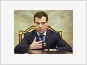 Dmitry Medvedev wants to escape from his bodyguards