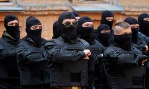 Defence of Ukrainian regime: Azov fighters arrive in Odessa
