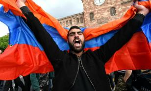 Political crisis brewing in Armenia as military confront prime minister