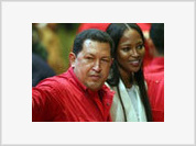 Hugo Chavez ready to pose topless like Putin for Naomi Campbell