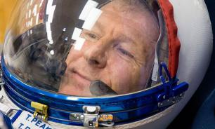 British astronaut fears Russians leave him in space. Putin interferes