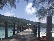 Singapore and Malaysia struggle for tourists