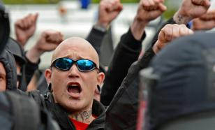 'Russia for the Russians' skinhead chant leads to street fight in Moscow