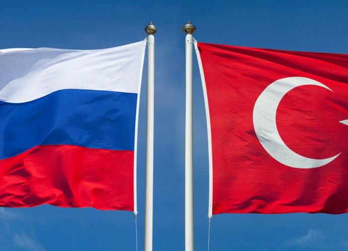 Russia and Turkey: The janissary hides a sword behind his back