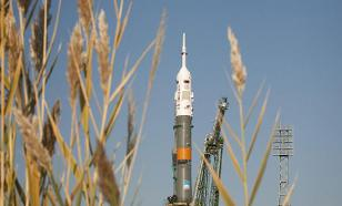 Lightning strikes Soyuz booster rocket after launch