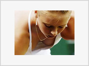 Maria Sharapova beats Pin despite soaring heat