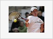 Andreev beats tennis-third seed Roddick in first round