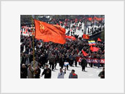 Two million Russians take part in May Day celebrations
