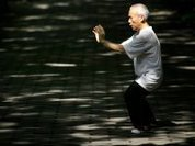 Tai Chi helps prevent falls and improves mental health in elderly