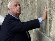 Ariel Sharon too weak to win his last battle