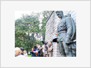 Estonia's decision to dismantle monument to Soviet soldier desecrates WWII history