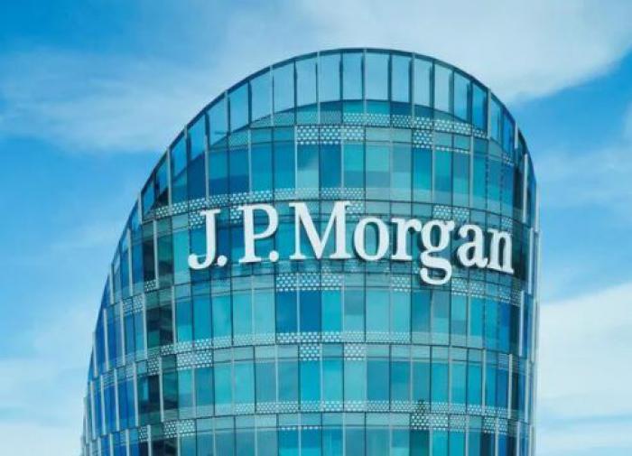 JP Morgan Chase CEO teaches Ohio University graduates lesson of life