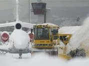 Heavy snowfall paralyzes much of European air traffic