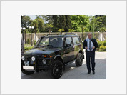 Putin makes public presentation of his very serious new car