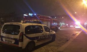Explosion occurs in the Paris subway system