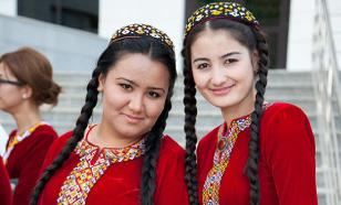 Turkmenistan bans COVID-19, prosecutes people for wearing masks