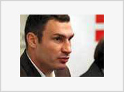 Boxer Vitali Klitschko runs for Kiev's mayor