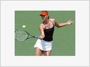Maria Sharapova demonstrates her fighting spirit beating Venus Williams