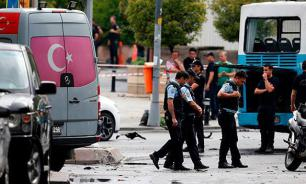 Istanbul explosion: Terrorists target police, 11 killed