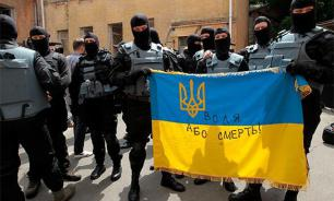 Ukrainian partisans lynch those who earned money by killing in Donbass