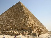 Pyramids of Giza built by trade unions of hired workers?