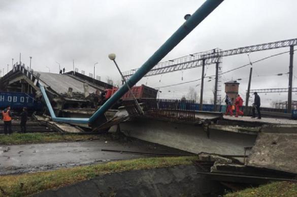 Bridge collapses on Trans-Siberian Railway. Video