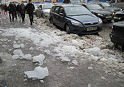 Snow and ice kill children in Moscow
