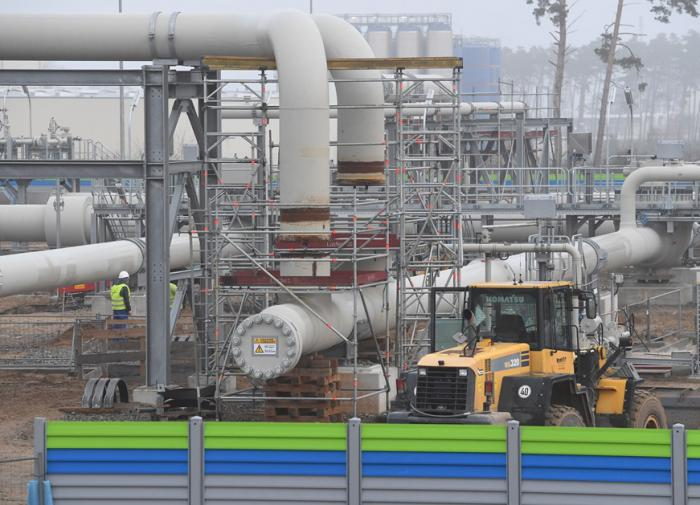 Poland wants to fine Gazprom without losing Russia's natural gas