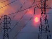 Russian electricity flows to Crimea, Ukrainian radicals chicken out