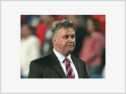 Guus Hiddink may take over vacant England manager's position